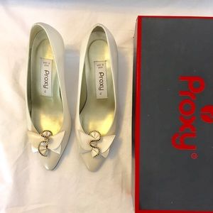 Proxy Cream Heels with bow Size 6.5M